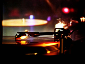 music-turntable-dj